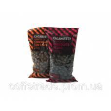 Орешки в черном шоколаде 0.25 кг